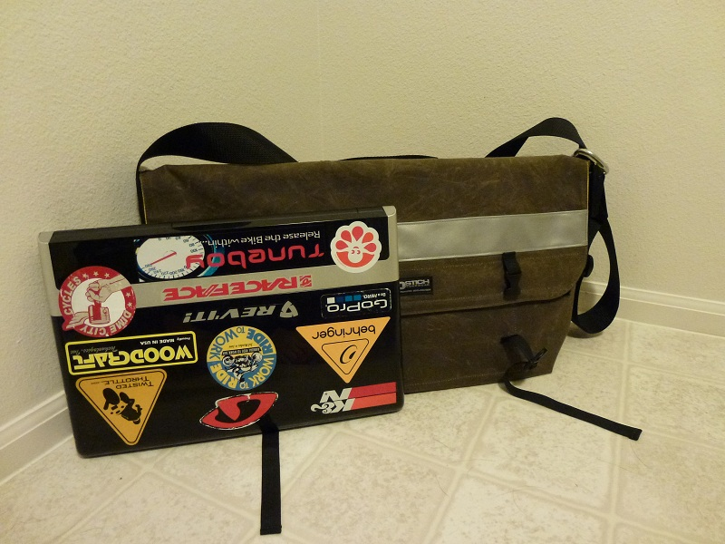 Waxed Cotton bag with Laptop